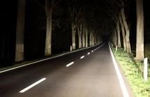 Jak bezpiecznie podróżować nocą